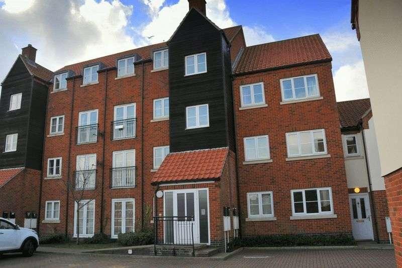 2 Bedrooms Flat for sale in Constable Close, Dereham