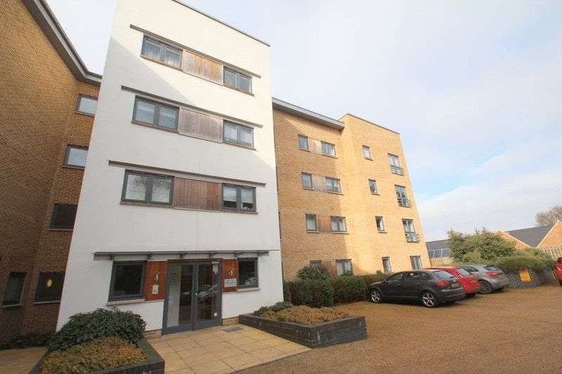 2 Bedrooms Flat for sale in Bertram Way, Norwich