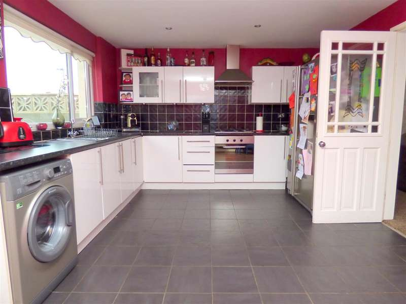 3 Bedrooms Semi Detached House for sale in Bedburn Drive, Huyton, Liverpool