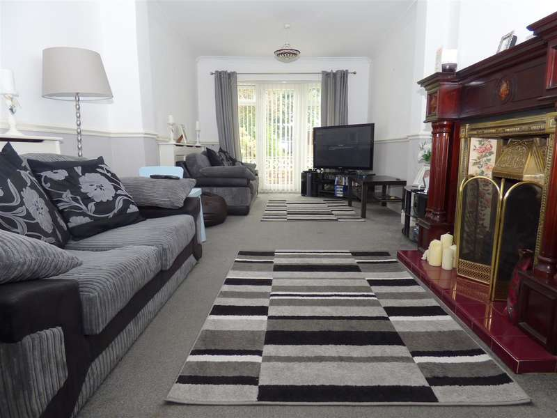 5 Bedrooms Semi Detached House for sale in The Avenue, Huyton, Liverpool