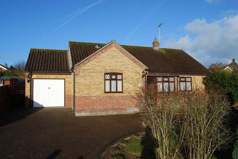 3 Bedrooms Detached Bungalow for sale in Willow Court, Beetley NR20