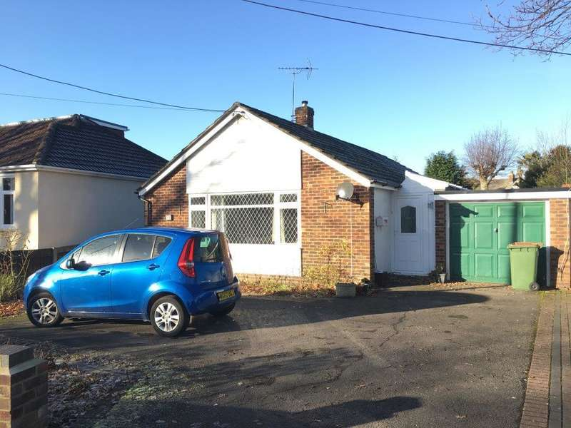 3 Bedrooms Detached Bungalow for sale in Hobb Lane, Hedge End SO30