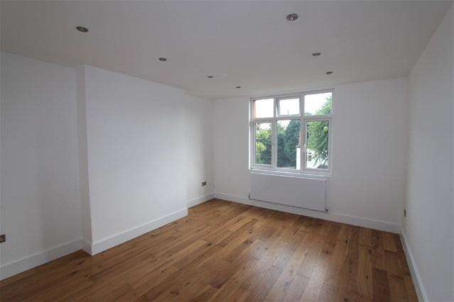 2 Bedrooms Flat for sale in Chatsworth Road