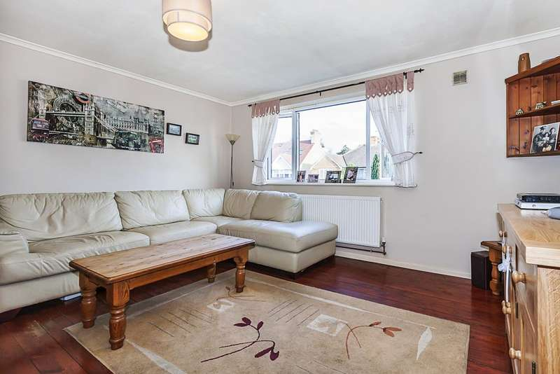 1 Bedroom Flat for sale in Chinford Avenue E4