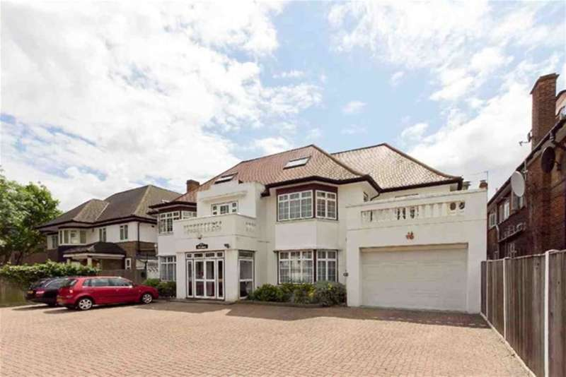 5 Bedrooms House for sale in Brondesbury Park