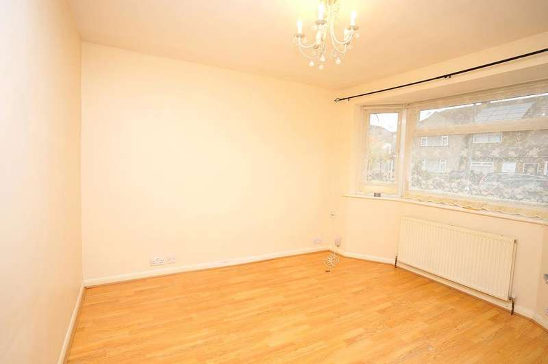 3 Bedrooms Terraced House for sale in MARSTON AVENUE, DAGENHAM RM10