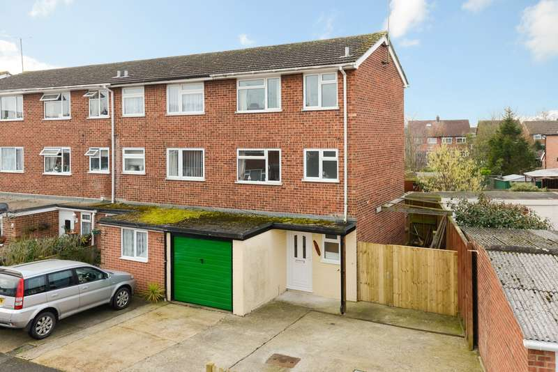 3 Bedrooms Town House for sale in Swallowfield, Ashford, TN24
