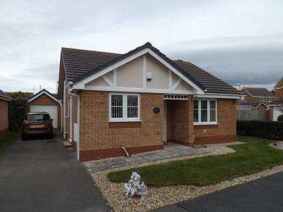 2 Bedrooms Bungalow for sale in Lon Glanfor, Abergele, Conwy, LL22