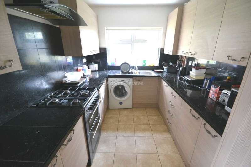 6 Bedrooms End Of Terrace House for rent in Lincoln Road, Reading