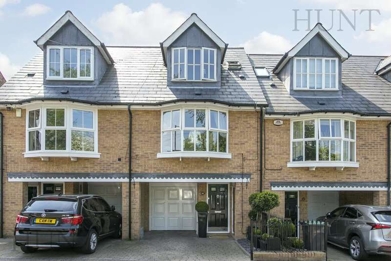 3 Bedrooms Town House for sale in Turpins Lane, Woodford Green, Essex IG8