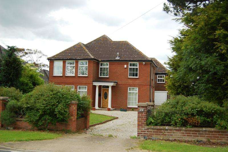 4 Bedrooms Detached House for sale in Bradley Road, Bradley DN37