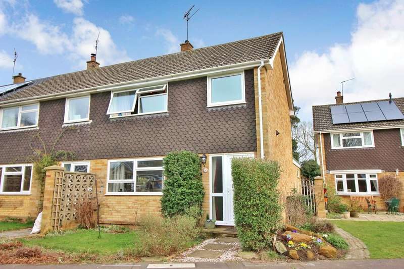 3 Bedrooms End Of Terrace House for sale in St. Margarets Close, Horstead