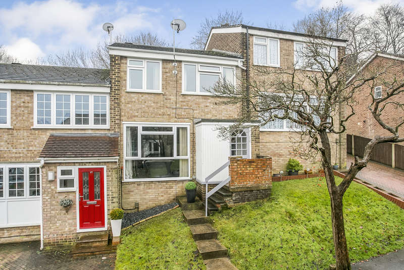 3 Bedrooms Terraced House for sale in Broadlands Drive, Walderslade, Chatham