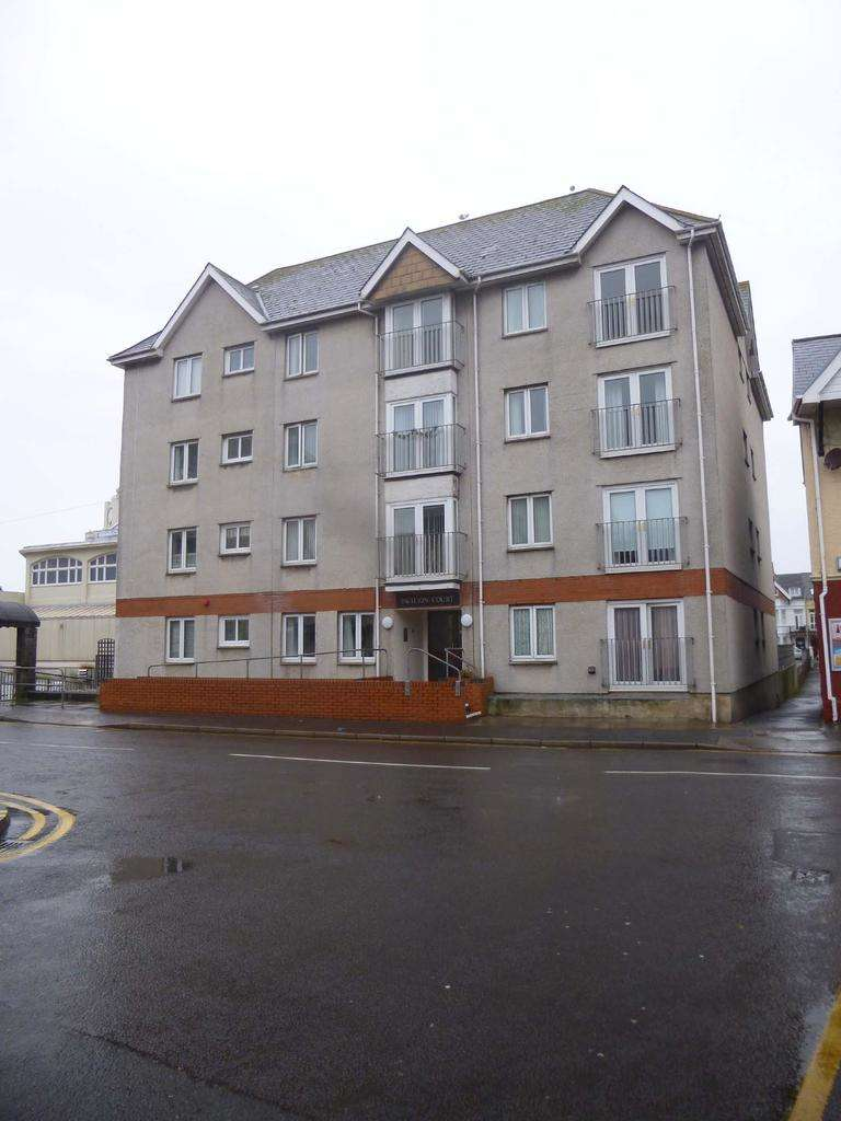 1 Bedroom Retirement Property for sale in Porthcawl CF36