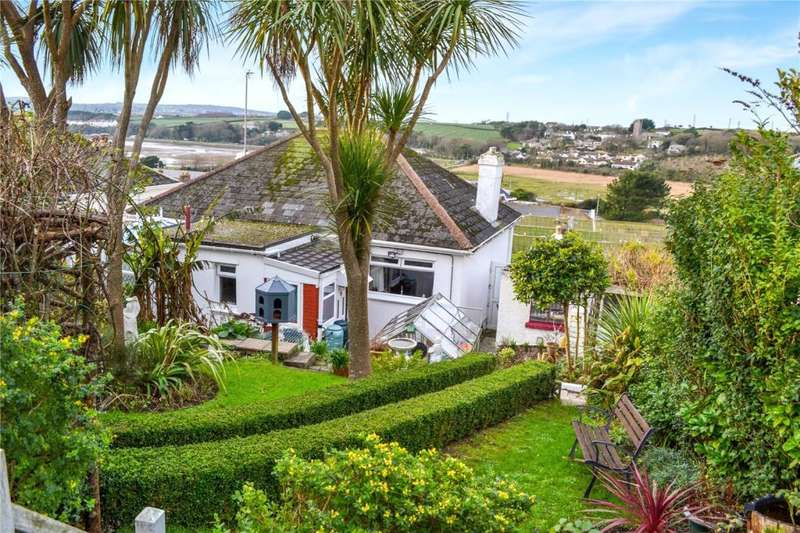 1 Bedroom Detached Bungalow for sale in Prospect Place,, Hayle,, Cornwall.