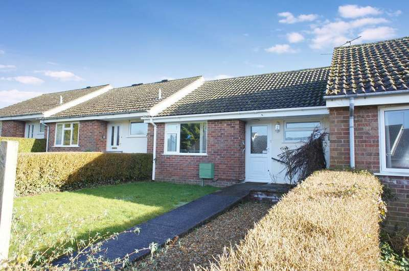 1 Bedroom Bungalow for sale in Sunnymead, Oakley, Hampshire, RG23 7JB