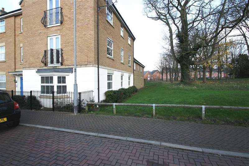 2 Bedrooms Flat for sale in Malsbury Avenue, Leicester, LE7
