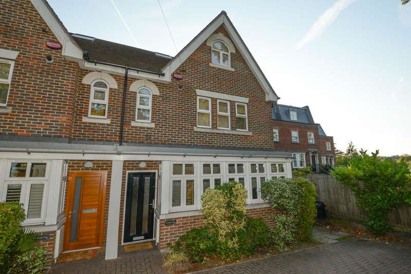 4 Bedrooms Semi Detached House for sale in St Georges Place, Brooklands Road, Weybridge KT13