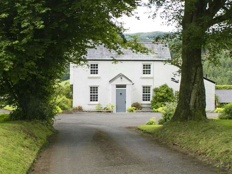 4 Bedrooms Detached House for sale in Kilgwrrwg, Monmouthshire