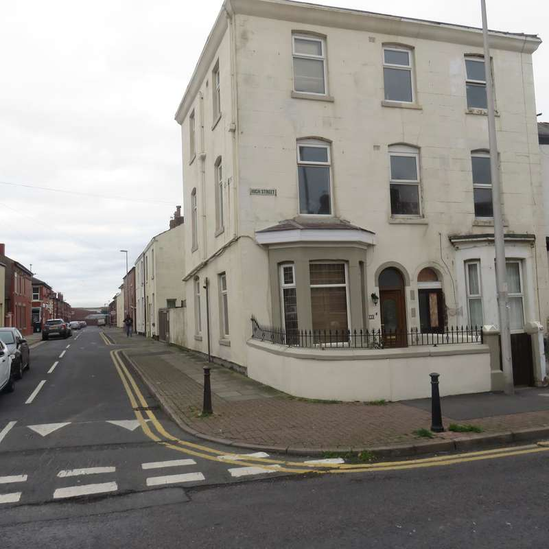 6 Bedrooms End Of Terrace House for sale in HIGH STREET, BLACKPOOL FY1