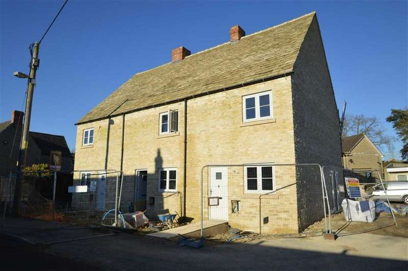 3 Bedrooms Cottage House for sale in Chavenage Lane, Tetbury, Gloucestershire