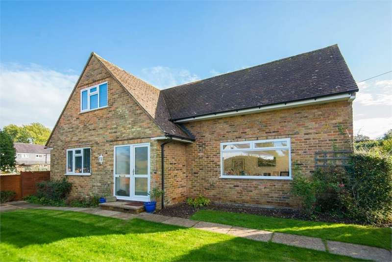 3 Bedrooms Chalet House for sale in Church Road, Penn, Buckinghamshire