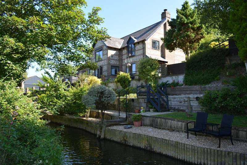 4 Bedrooms Village House for sale in Bradford Peverell, Dorchester DT2