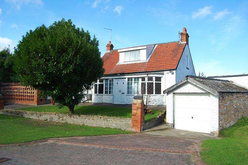3 Bedrooms Detached Bungalow for sale in Grimsby DN34