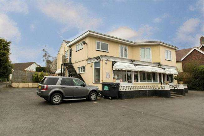2 Bedrooms Apartment Flat for sale in DANBURY cm3