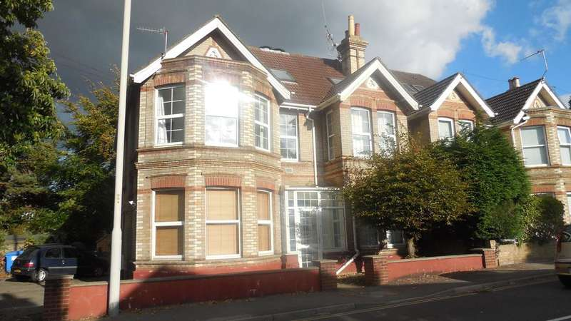 1 Bedroom Apartment Flat for sale in 5 Kingsbridge Road, Poole, Dorset BH14