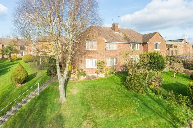 2 Bedrooms Maisonette Flat for sale in Harland Court, Merle Avenue, Harefield, Middlesex