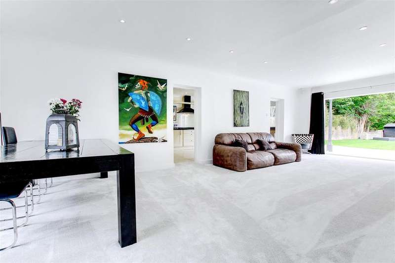 4 Bedrooms Detached House for sale in London Road, Bourne End, Nr Berkhamsted HP1