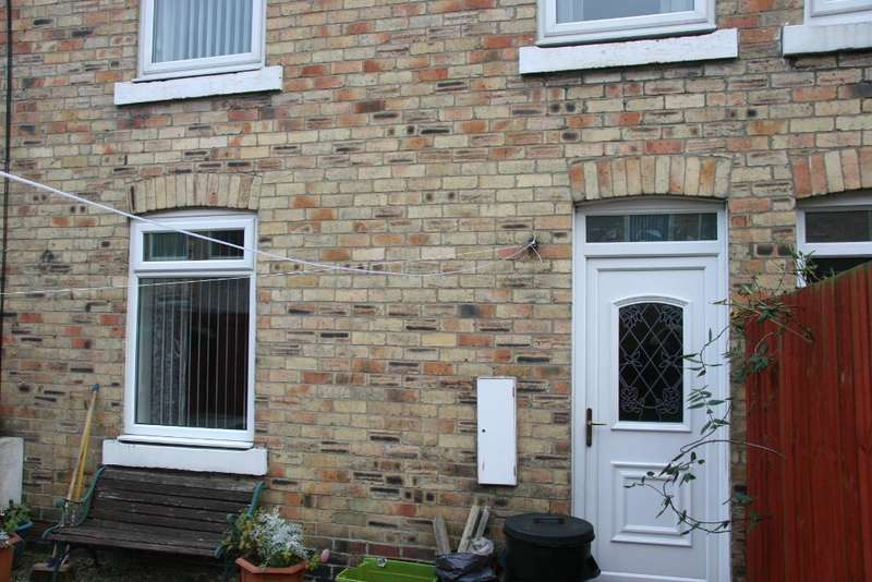 3 Bedrooms Terraced House for sale in Maple Street, Ashington, Nothumberland, NE63 0BL