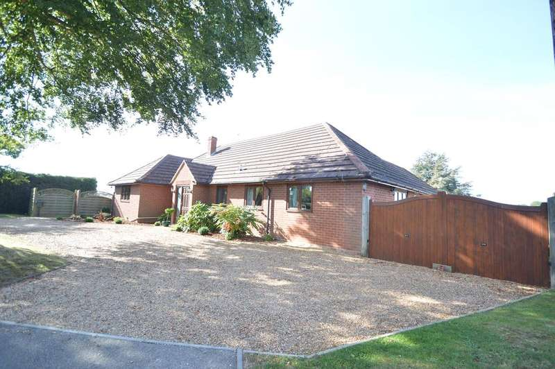 5 Bedrooms Detached House for sale in Spring Gardens Road, Chappel, Colchester CO6