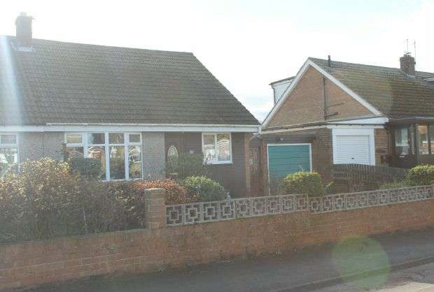 4 Bedrooms Semi Detached Bungalow for sale in Moor Close, Moorsholm