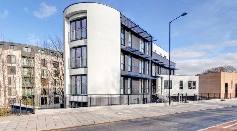 2 Bedrooms Flat for sale in 117a St. Georges Road, Cheltenham, GL50 3EG