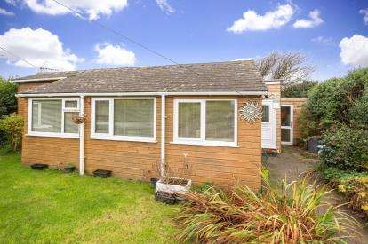 3 Bedrooms Bungalow for sale in Millbrook, Torpoint, Cornwall