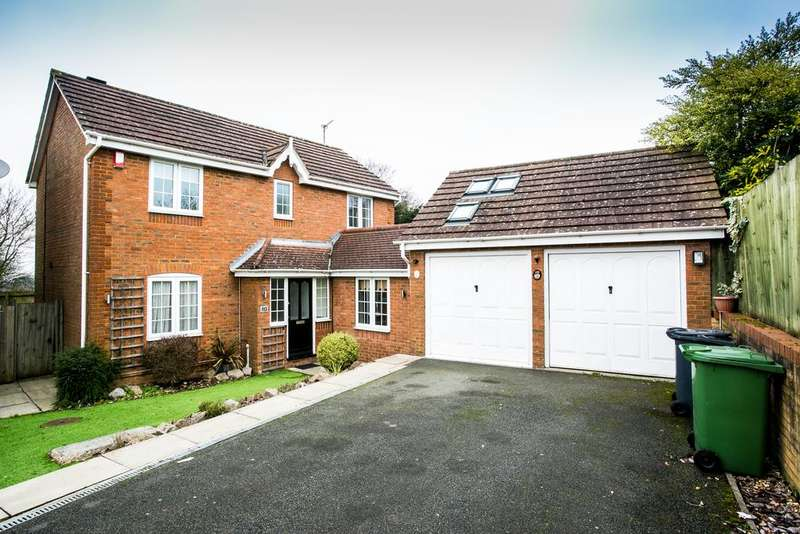 4 Bedrooms Detached House for sale in Wayside, Porters Park, Shenley, Radlett WD7