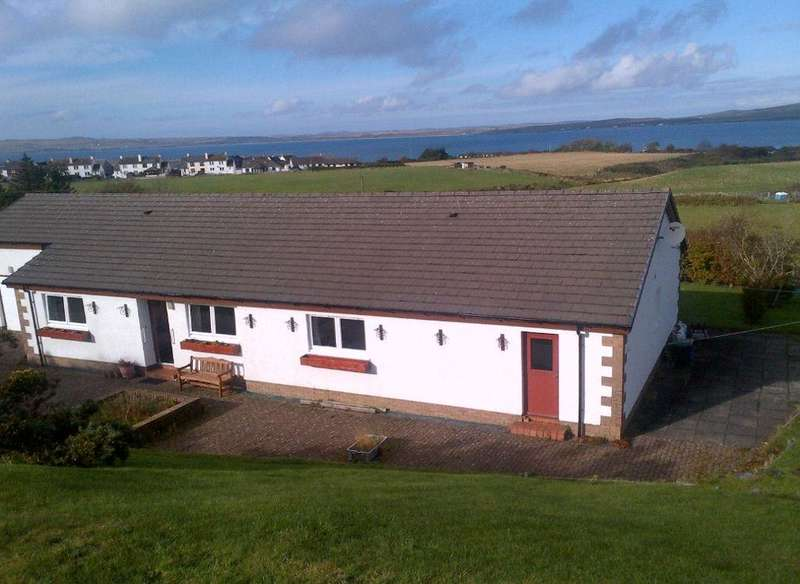 4 Bedrooms Detached Bungalow for sale in 3 Hillside, Bowmore , Isle of Islay