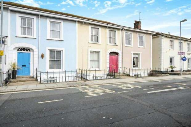 4 Bedrooms Terraced House for sale in Frances Street, Truro