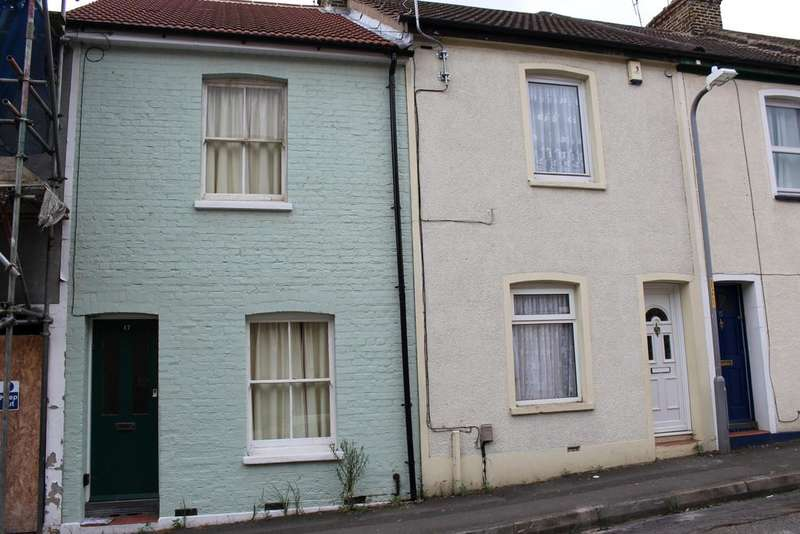 2 Bedrooms Terraced House for sale in Empress Road, Gravesend DA12