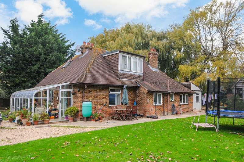4 Bedrooms Unique Property for sale in Bell Lane, Earnley, Chichester PO20