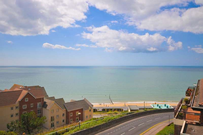 2 Bedrooms Penthouse Flat for sale in BH5