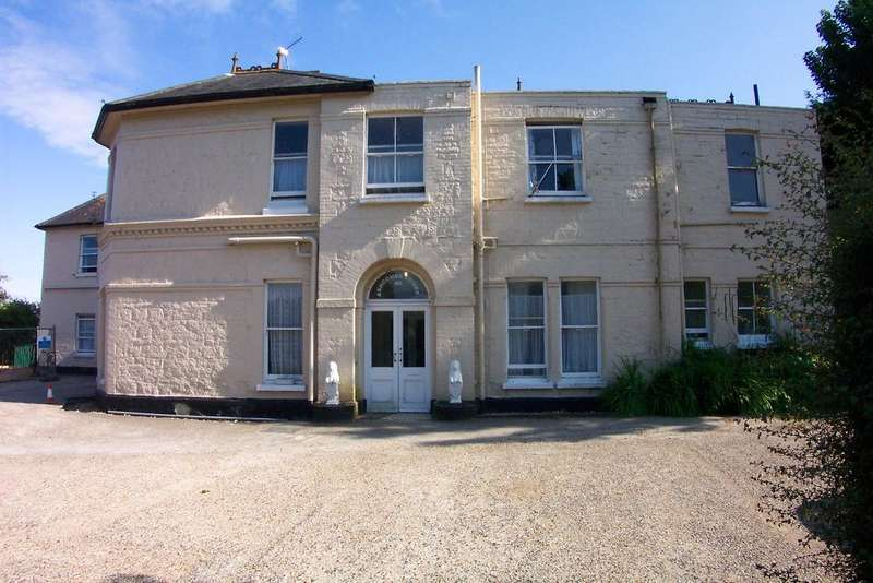3 Bedrooms Duplex Flat for sale in Ashcombe Court, Shanklin PO37
