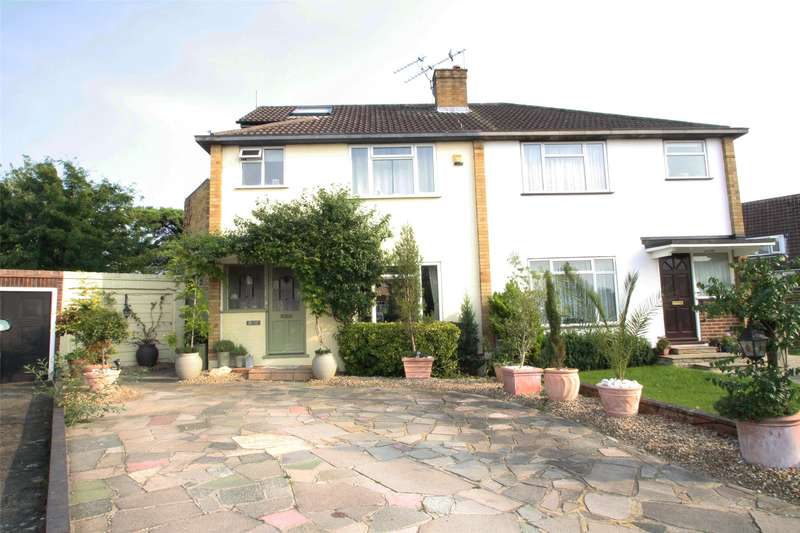4 Bedrooms Semi Detached House for sale in Thames Close, Chertsey, Surrey, KT16