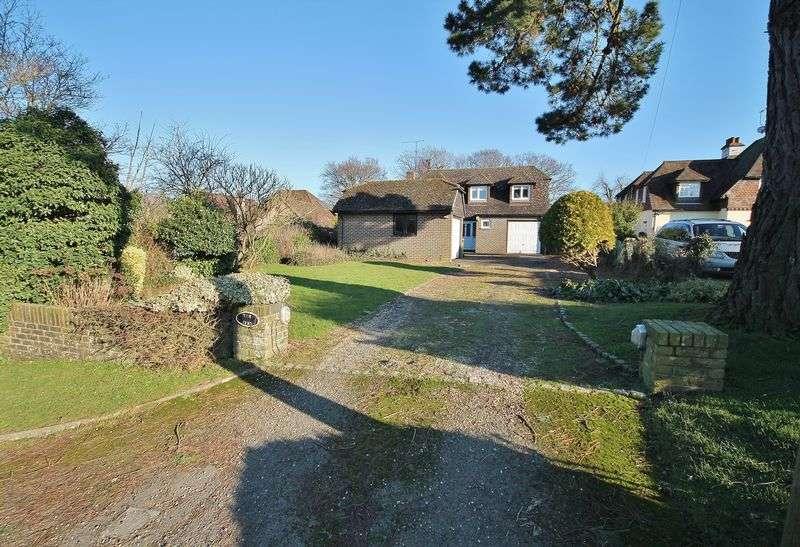 3 Bedrooms Detached House for sale in Storrington Road, Thakeham