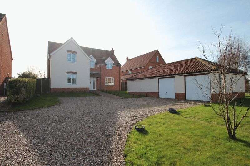 4 Bedrooms Detached House for sale in Filby, NR29