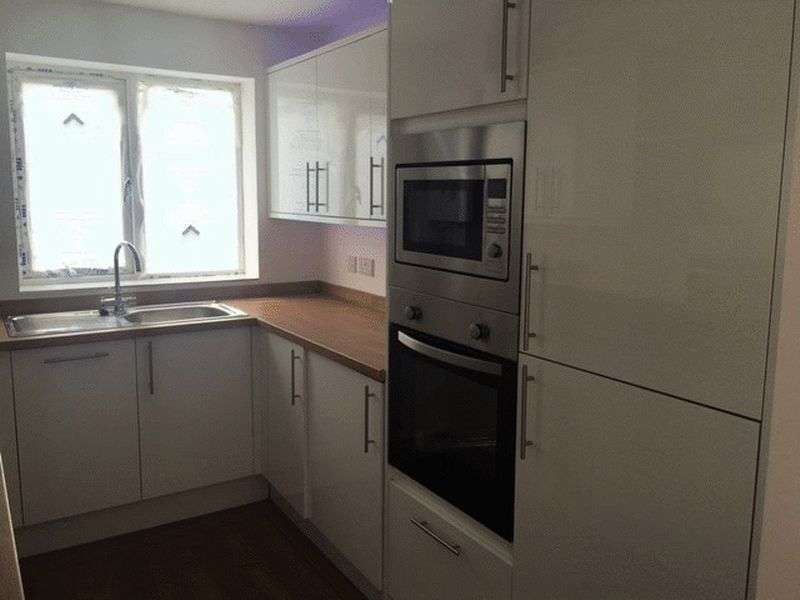 2 Bedrooms Terraced House for sale in Savoy Road, Brislington, Bristol