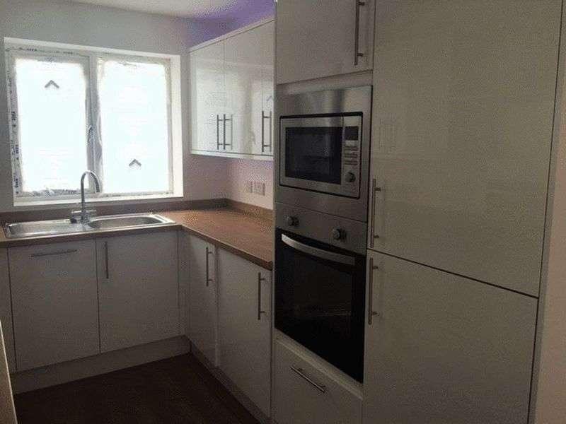 2 Bedrooms Terraced House for sale in Savoy Road, Brislington, Bristol