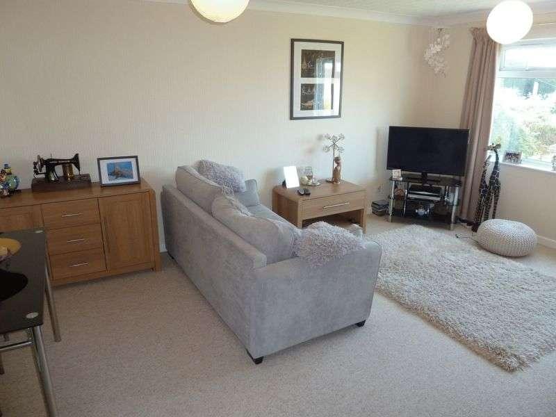 2 Bedrooms Flat for sale in Havant Close, Rhoose